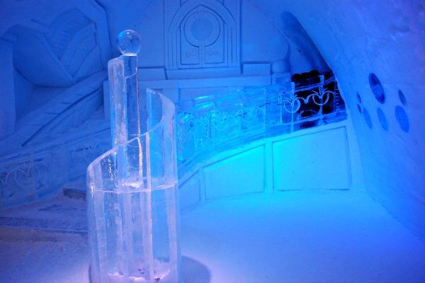 ICE SCULPUTURES